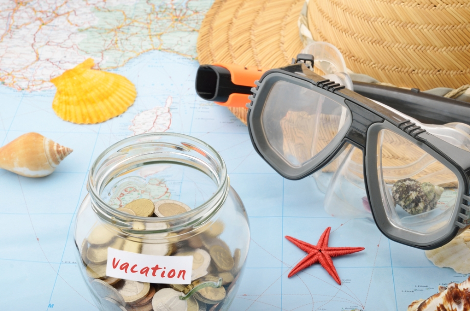 5 useful tips to save for your holiday - budget