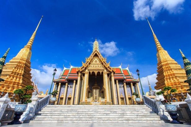 3D2N in Bangkok - Emerald Buddha Temple