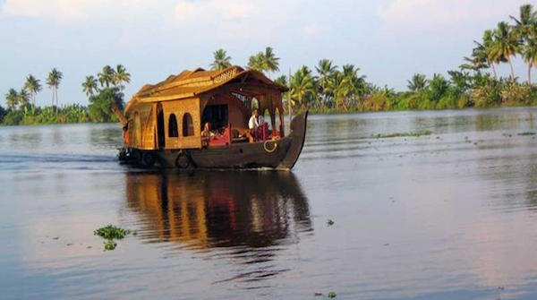 overnight-private-tour-romantic-kumarakom-and-alleppey-houseboat-tour-in-kochi-245349
