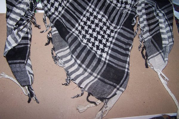 stock_emo_scarf_by_theshelfs