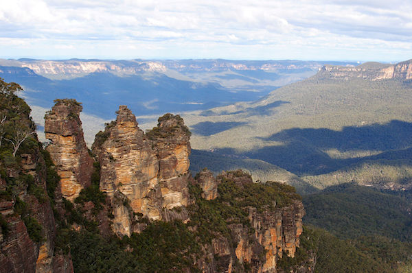1280px-three_sisters_-blue_mountains_new_south_wales_australia-20july2012