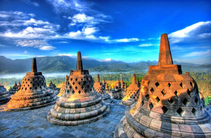 Borobudur-stupa-at-west-side